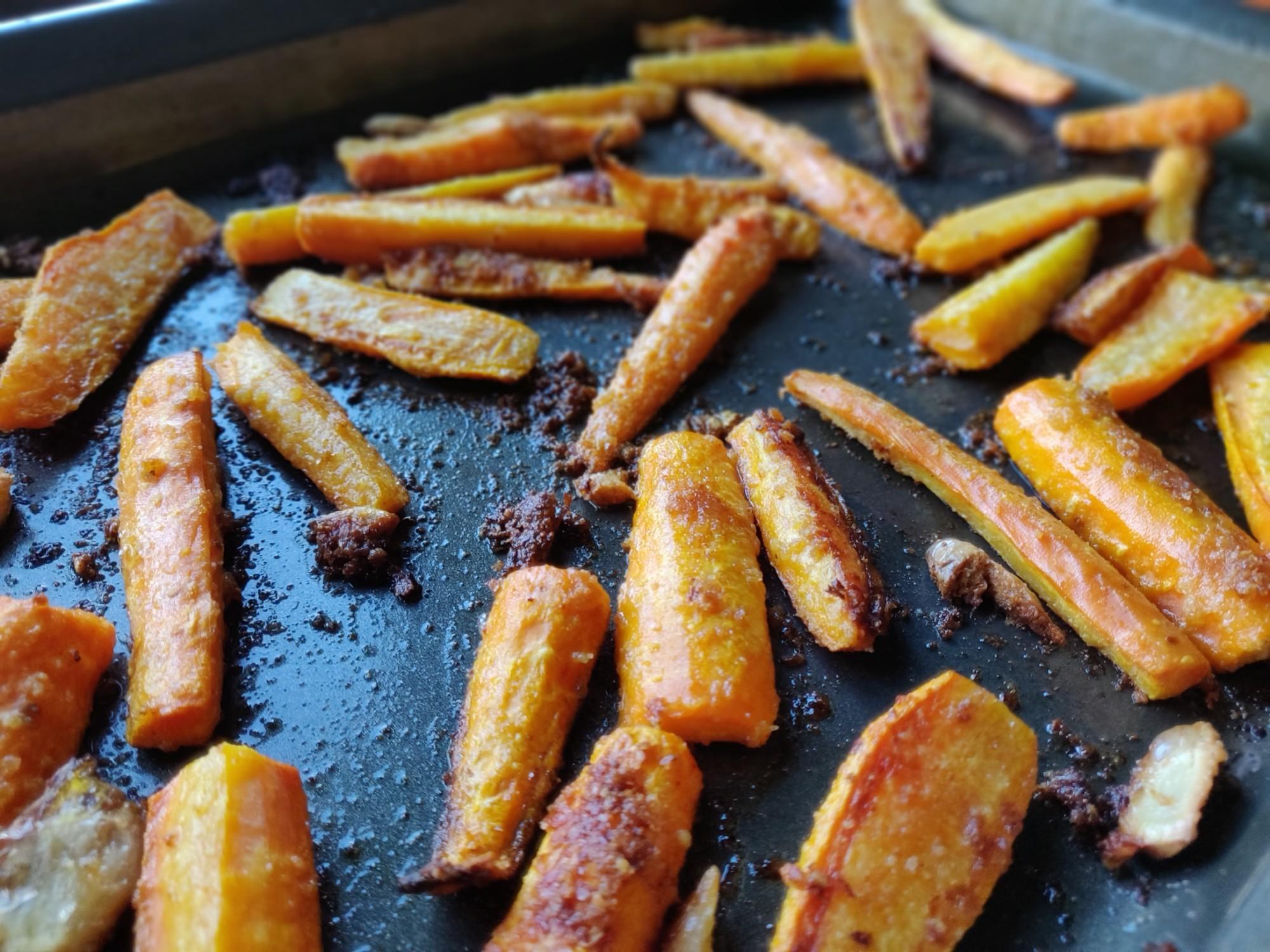 Roasted Garlic Parmesan Carrots